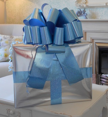 MEGA Giant Car Bow (42cm diameter) with 6m Ribbon - HOLOGRAPHIC BLUE
